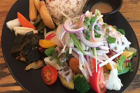 吉祥寺の野菜カフェ・レストラン「八十八夜(はちじゅうはちや)」で美味しい野菜を満喫