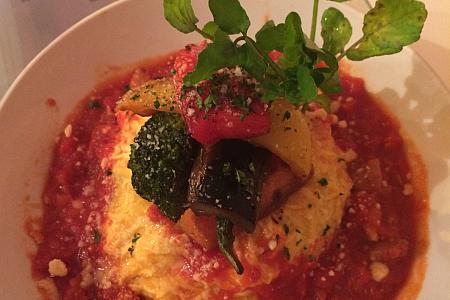 「くまもり食堂」のオムライスはグリル野菜もたっぷりで彩り豊か(吉祥寺ランチ)