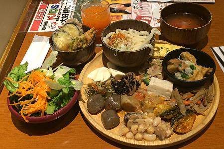 自然派バイキング「わらべ」吉祥寺店で野菜たっぷりの満腹ランチ