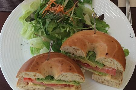 吉祥寺の紅茶専門店「PRIUS CAFE(プリュスカフェ)」のベーグルランチはオシャレ&ヘルシー