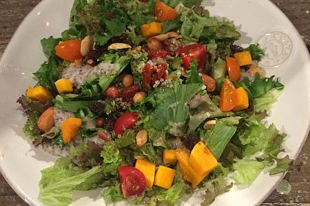 「BIODYNAMIE(ビオディナミ)吉祥寺店」で無農薬野菜とスーパーフードのサラダランチ