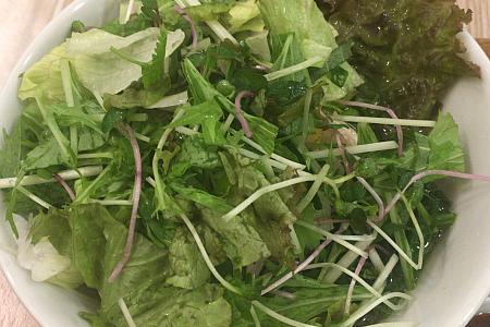 フォー専門店「コムフォー」で野菜を山盛りにして「とりゆずのフォー」をいただく(吉祥寺ランチ)