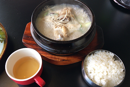 「オムニ食堂 吉祥寺店」のおかずたっぷり特製ランチで「半参鶏湯」をいただきました
