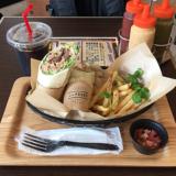 「with PADDY kichijoji(ウィズパディー 吉祥寺)」でお肉と野菜がつまったブリトーをいただく