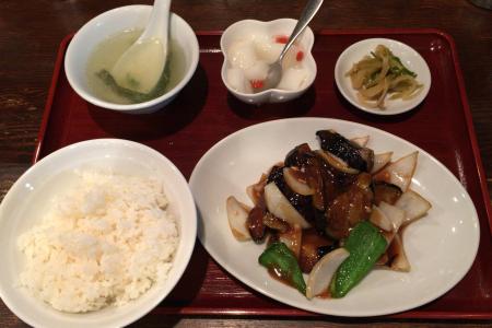 吉祥寺で昔からある台湾小皿料理「旺旺(ワンワン)」でランチ定食をいただく