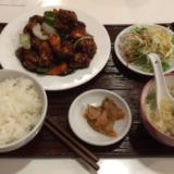 香港料理「龍明楼 吉祥寺店」でコスパの優れた「黒酢豚定食」をいただく