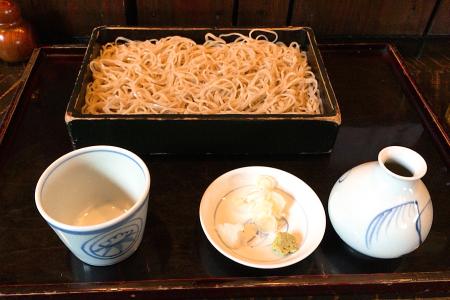 老舗の蕎麦屋「よしむら」で細打ちの「吉祥寺」という江戸前そばをいただけるのは今年いっぱい …閉店
