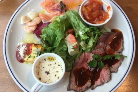 熟成肉が気軽に楽しめるカフェレストラン「PECKISH」の「ペキッシュ デリ プレート」で吉祥寺ランチ …閉店
