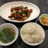 吉祥寺「大正通り」にできたばかりの中國菜四川「雲蓉(ユンロン)」で週替り肉料理御膳をいただく