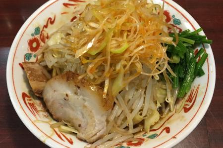 「ぶぶか 吉祥寺北口店」でこってり油そば「黒丸」を「草食系」にして野菜もガッツリ