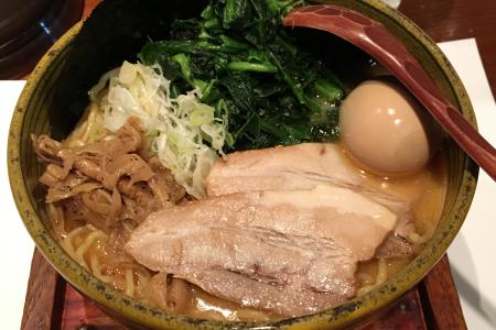 「吉祥寺 真風(まじ)」でおすすめの「鯛塩」らーめんはスープがマイルドでとても味わい深い
