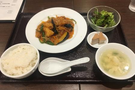 成蹊大学前の「台湾茶房 桃李」でほどよく美味しい「本日の日替わりランチ」をいいただく