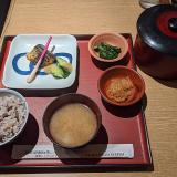 定食と釜焚きごはん「おひつ家 吉祥寺店」で春のおすすめ「鰆の西京味噌焼き定食」をいただきました