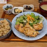 夕食は吉祥寺の「四歩」でお弁当を買おうと訪問したけど、結局、店内で美味しくいただきました