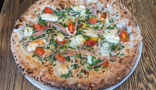 一度は「マザーズ 吉祥寺店」でピザを食べたくて具だくさんの「アンティキサボーリ」をオーダー