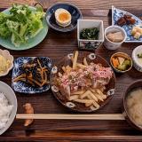 「ポロリ食堂(Pololi食堂とPiha kopi)」で見事なメインと多彩な小鉢で美味しい「吉祥寺ランチ」を堪能