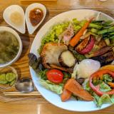 武蔵境の「ムサシノ野菜食堂ミルナーナ(miluna-na)」でいつもの「たっぷり野菜と雑穀ごはん」