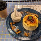 「カフェロブ(cafeRob)武蔵境店」で表面パリッと中ふんわりの「クリームブリュレパンケーキ」を堪能